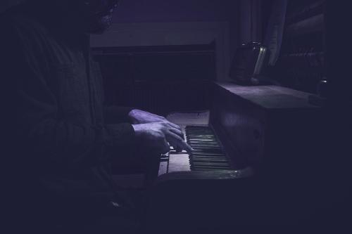 pianoblue